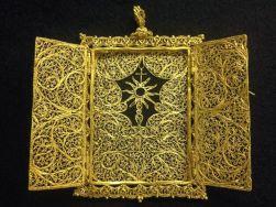 Gold Pyx