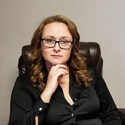 Carolyn Arnold - author
