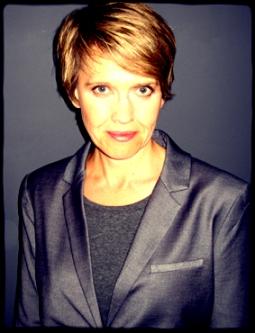 Eva Hudson - author